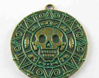 Medal skull, oxidized metal pendant, 42 * 2 * 38 mm