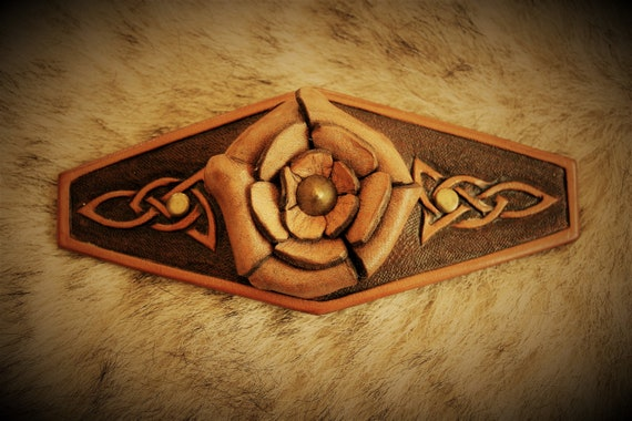 Leather hairclip, carved leather, haistyle, paganfolk, celtic knotwork
