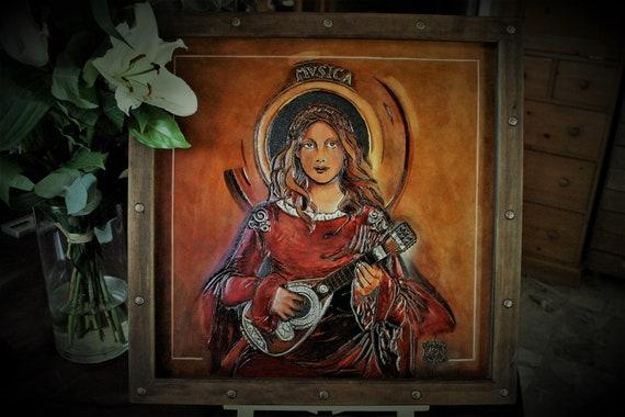 Painting on embossing leather, original art, decoration, pré-raphaelite inspiration antique music player