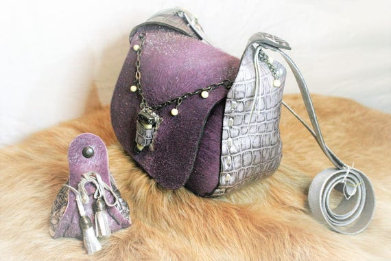 woman leather handbag, with strap, fur, leather, skin, medieval, fantasy, elven, mauve color, silver