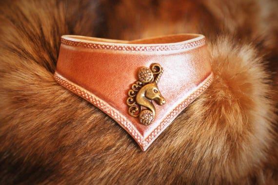 "Women girl neo-medieval magic ""Unicorn"" Pearly effect leather bracelet"