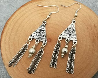 Chain, gift for women and ethnic faitaisie triangle earring