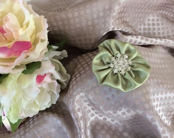 5.5 cm light green satin flower with Rhinestone