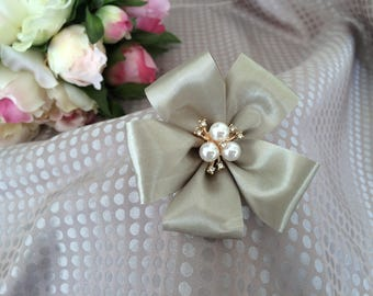 Taupe 8 cm satin flower with Rhinestone