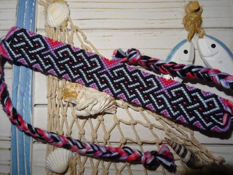 Friendship Bracelet Celtic overlaps purple pink