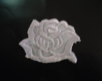 PATCH FUSIBLE - Flower white tones - height 3 cm