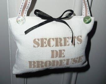 SECRETS de BRODEUSE -  hanging cushion hand made cushion
