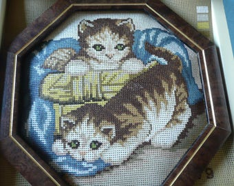 kit to embroider , coffret canevas / tapestry kittens