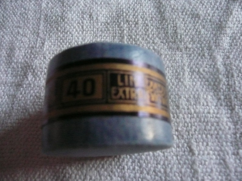 1 wire Coil of  LIN EXTRA french vintage haberdashery CONSCRIT brand n 40 production agache capsule