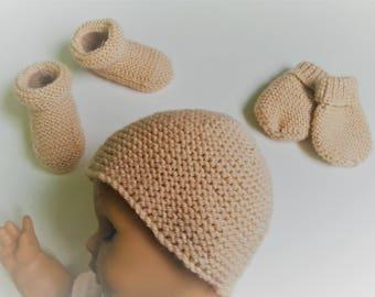 Ensemble naissance poudre   Bonnet.petits petons bottes     Etsy 6da62e9155e