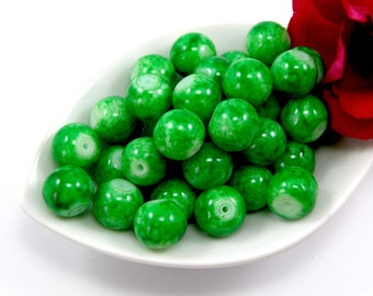 Set of 10 beads 10 mm glass light green marbe color effect