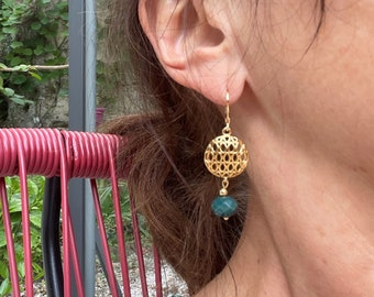 Retro gold and pearl earrings, hanging gold earrings and faceted pearl, gold designer jewel