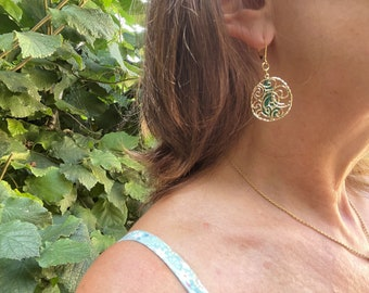 Gold earrings hanging arabesques and gout, Openwork and superimposed earrings, designer jewel in gold