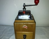Coffee Mill German firm Leinbrocks Jdeal model N º 1000. Aal 1939. Antique Coffee Grinder. Old Coffee Mill