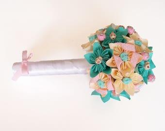 """""""Romance Acidulée"""" bridesmaid bouquet"""