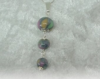 Compositions and color - Pearl pendant necklace