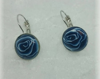 The heart of a blue rose - Stud Earrings