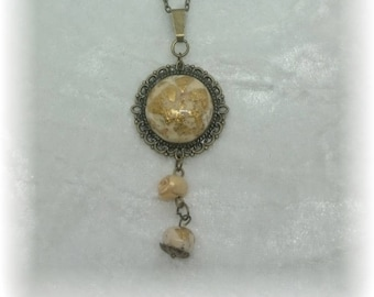 Cream and gold over bronze leaf necklace - Cabochon and beads-