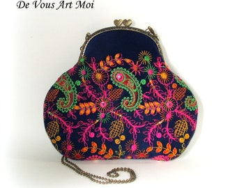 f4be008292eb Velvet embroidered woman bag