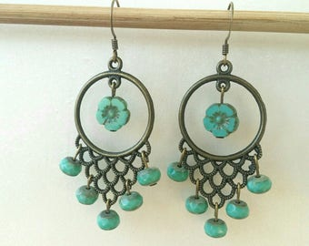 Earrings pearls of Bohemia and lagoon blue flowers