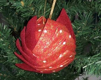 "Christmas ball ""Artichoke"" - gold stars on red background"