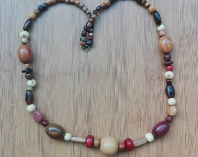 Necklace in pearls of exotic wood from the Amazon, Bloodwood satin, amaranth and wild seeds, gift for her, nature