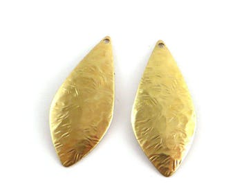 Navette marquise drop nail texture brass convex dome shaped pendant 4 raw 34mm x 15mm. PV-112