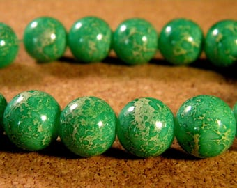 "10 pearls glass 12 mm-Green - PE181 ""reality"""