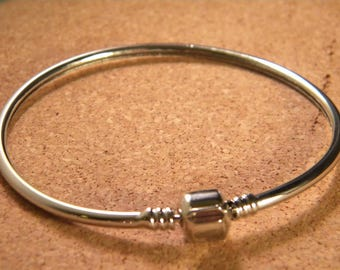 Bangle style bracelet pandor @ 66 mm - silver-CHA-B-02-1