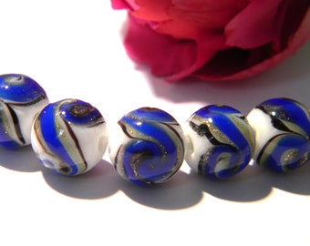 2 Pearl glass 12 mm - murano glass - beautiful Arabesque Variegated - shades of royal blue - 29