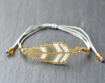 Myuki feather pearl bracelet