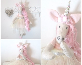 Shabby chic style linen and her cake Fimo clay Unicorn