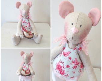 Tilda bear and her cake Fimo shabby chic style linen
