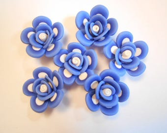 Flower polymer as pictured 6 beads drilled size 2.5 cm