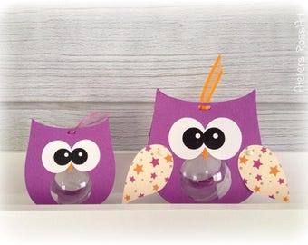 lozenge containing mini OWL with perspex ball mini 4cm (OWL on the right)
