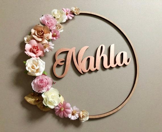 Couronne de fleurs à personnaliser avec prénom, décoration chambre fille  couronne fleurie romantique rose, or, blanc et rose cuivré