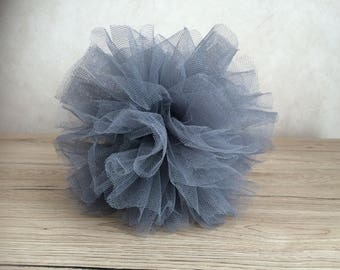 To hang or lay - grey tulle Pompom 20cm