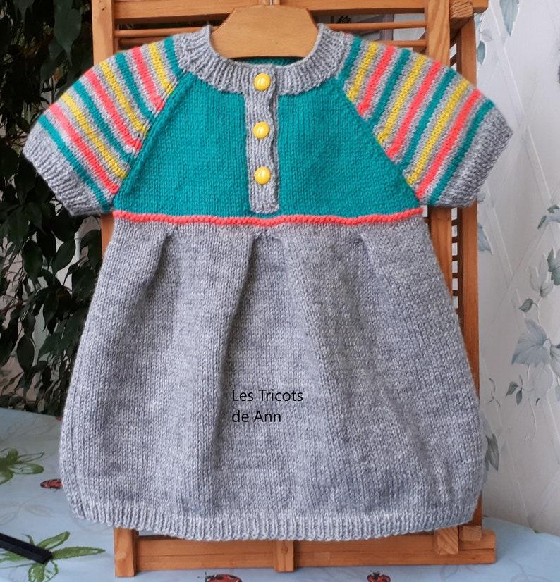 05a6d89ceb1 ROBE bébé fille tricot main layette laine 12 mois cadeau