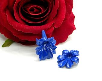 Perles Turquoise synthèse Croix 35x30mm Blanc crème   4558550011770 2pc