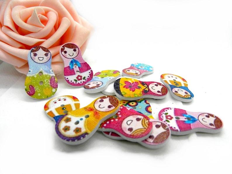 Russian gigognes dolls, Russian doll button wood deco button Wood matriochka button batch of buttons Matriochka doll