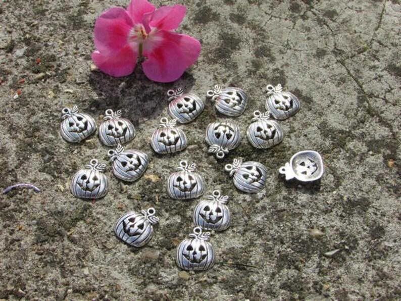 Charms x15 Tibetan silver pumpkins about 17x11 mm