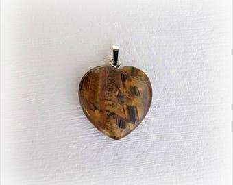 Golden Tiger Œil (gemstone) heart pendant.