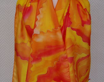 6f244e1f85ac Echarpe étole foulard en soie jaune rouge orange