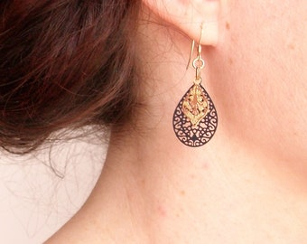Earrings romantic and chic, laser cut drop, plated gold
