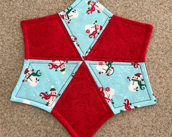 Holiday snowman quilted table topper
