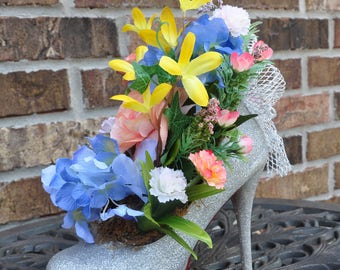 Flower Arrangement in a Shoe!