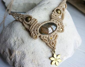 Macrame necklace with natural labradorite gemstone