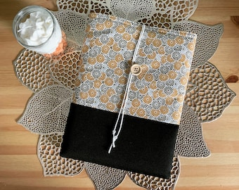 Booksleeve - book pouch - book cover