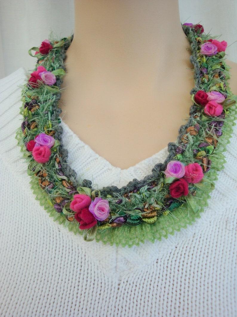 crochet necklace crochet necklace pure cotton mini bouquets of roses