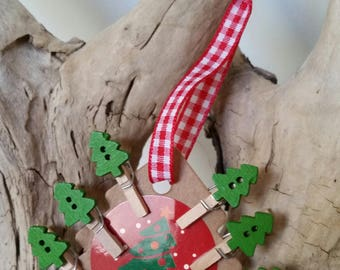6 mini clothespins in green Christmas tree wood
